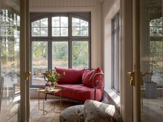 Today our story is about a home with a soul. This traditional Scandinavian cottage with a red facade is lost somewhere in the Swedish countryside, in the ✌Pufikhomes - source of home inspiration Scandinavian Cottage, Swedish Cottage, Swedish Decor, Swedish Style, Swedish House, Scandinavian Design, Leather Cocktail Ottoman, American Houses, Forest House