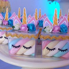 Favores do unicórnio: 25 idéias super fofas para transformar sua festa! Diy Unicorn Party, Unicorn Themed Birthday Party, 1st Birthday Party Invitations, 1st Birthday Parties, Birthday Party Decorations, Party Favors, Unicorn Foods, Bday Girl, First Birthdays
