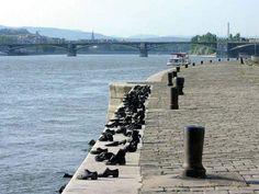 Visitar Cipők a Duna parton é uma das dicas de o que fazer em Budapeste