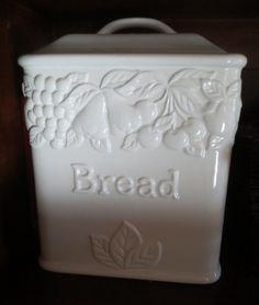 Fajansist leivakast Belgiast