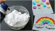 Mezcla espuma de afeitar y colorante para hacer una pintura muy divertida para niños