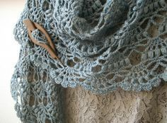 crochetingclub: Lion Brand's Elegant Shawl. Beautiful Tutorial ♡ Teresa Restegui http://www.pinterest.com/teretegui/ ♡
