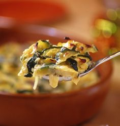Zucchini Gratin with Goat Cheese Fall Recipes, Real Food Recipes, Healthy Recipes, Confort Food, Veggie Dinner, Allergy Free Recipes, Fat Foods, Easy Food To Make, Kids Meals