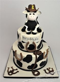 Cowboy theme cake by Design Cakes Pretty Cakes, Beautiful Cakes, Amazing Cakes, Cow Cakes, Cupcake Cakes, Farm Cake, Horse Cake, Animal Cakes, Gateaux Cake