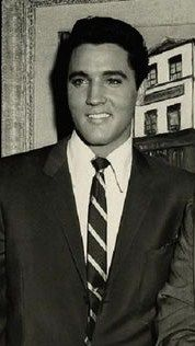 Too much handsomeness in one picture :#ElvisSerendipity #Elvis #Presley Elvis Presley the King of Rock and Roll