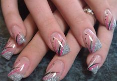 Beautiful nail art designs that are just too cute to resist. It's time to try out something new with your nail art. Pretty Nail Art, Beautiful Nail Art, Gorgeous Nails, Nail Tip Designs, French Nail Designs, Sparkle Nails, Fancy Nails, French Manicure Nails, French Nail Art