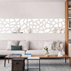 Современная гео-зеркальная наклейка на диване для современного ощущения