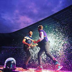 """Polubienia: 154.2 tys., komentarze: 399 – Coldplay (@coldplay) na Instagramie: """"Para, Paradise in Paris. #ColdplayParis"""""""