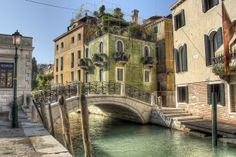 Venice, Italy is one of the most beautiful and unique places in the world. It is essentially a sanctuary that is situated on a lagoon and has surprisingly remained unchanged over the last 600 years.