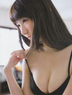 """AKB48 Yuki Kashiwagi """"Futarikiride"""" on Friday Magazine"""
