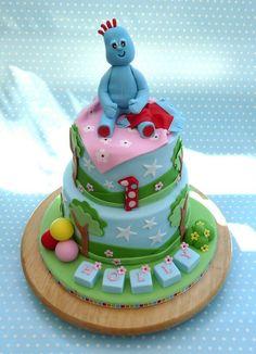 In the Night Garden, Iggle Piggle Cake Garden Birthday Cake, 3rd Birthday Cakes, Birthday Ideas, Beautiful Cakes, Amazing Cakes, Baby First Cake, Sophia Cake, Garden Cakes, Novelty Cakes
