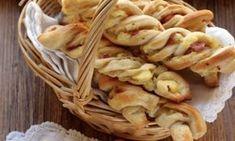 La ricetta di Natalia Cattellani per fare le frustine ripiene di patate e prosciutto cotto