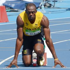 Usain Bolt Workout Routine And Diet Plan - Health Yogi Usain Bolt Diet, Usain Bolt Workout, Usain Bolt Training, Leg Training, Speed Training, Athletic Events, Olympic Athletes, Fastest Man, Gym Routine