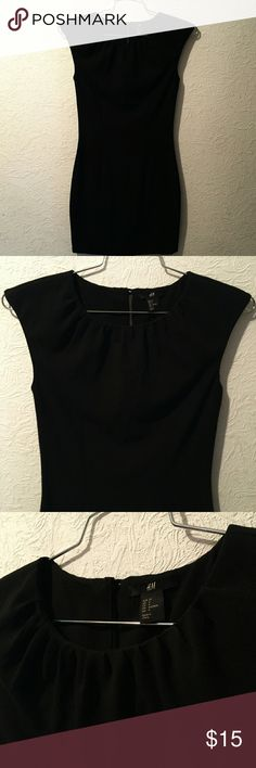 Black Retro H&M Dress 🌴Beautiful Flattering Black Dress for any event or occasion.   Wear it out, to work, wine mixer, date or an interview anyway you wear it you will look classy and amazing. 💞  Pre-Loved Good Condition 😍 📷 Images for reference. Final sale and no returns. Thank you H&M Dresses Mini