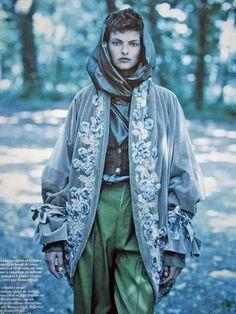 Au Pays De Romeo - Vogue Paris (1989) Linda Evangelista by Patrick Demarchelier