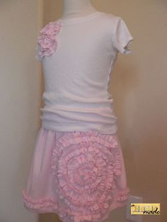 love this upcycled DIY t-shirt skirt  finished skirt with top.JPG