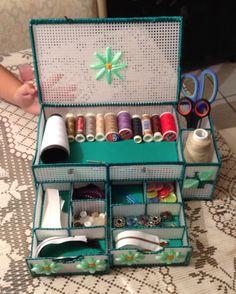 Plastic Canvas Box Patterns, Plastic Canvas Books, Plastic Canvas Stitches, Plastic Canvas Ornaments, Plastic Canvas Crafts, Handmade Crafts, Diy And Crafts, Diy Magazine Holder, Diy Bra
