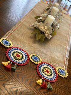 Crochet Mandala Pattern, Crochet Quilt, Crochet Stitches, Crochet Patterns, Crochet Table Runner, Crochet Tablecloth, Jute Crafts, Diy Crafts, Magazine Crafts