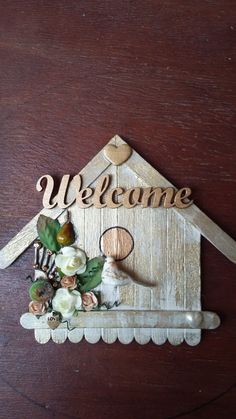 """""""Welcome"""" bird house in gold and green, with bird - Popsicle Stick Crafts House Lolly Stick Craft, Popsicle Stick Crafts House, Craft Stick Projects, Craft Stick Crafts, Paper Crafts, Rock Crafts, Diy Arts And Crafts, Diy Crafts, Resin Crafts"""