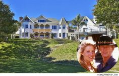 'Crocodile Dundee' Star Paul Hogan To Sell Malibu Mansion (House of the Day) Malibu Mansion, Malibu Homes, Celebrity Mansions, Celebrity Houses, Crocodile Dundee, Pool Porch, Backyard Plan, Rich Home, Mansions Homes