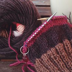 HiyaHiya Sharp Steel DPNs We love this picture which from @loareknits (Instagram Name) !