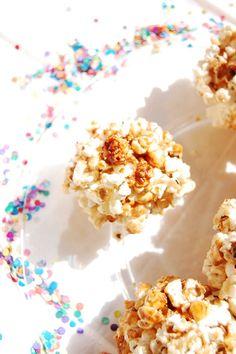 Palomitas acarameladas caseras para las fiestas o eventos de tus pequeños.