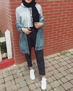 Casual Hijab Outfit, Casual Outfits, Fashion Outfits, Islamic Fashion, Muslim Fashion, Muslim Girls, Muslim Women, Cute Cardigan Outfits, Modele Hijab