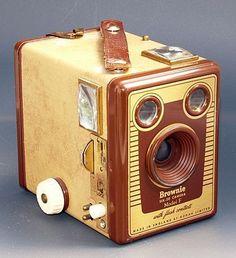 memory63:  Vintage Brownie Six-20 Model F camera