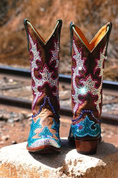 Anabel :: Official Website of Jacqi Bling - As Seen on Private Lives of Nashville Wives! Cowboy Boots Women, Cowgirl Boots, Western Boots, Cowboy Hats, Western Wear, Cowgirl Outfits, Outfits With Hats, Cowgirl Fashion, Cowgirl Chic