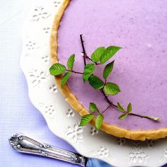 ❥ blackberry pie...this  is the prettiest pie I have ever seen! Recipe not in english though. Help anyone!
