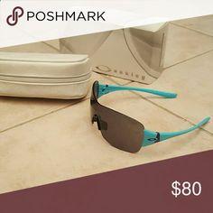 Brand New Womens Oakley Sunglasses Never worn. Oakley Accessories Glasses