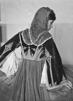 Folk Costume, Costumes, Greece Pictures, Folklore, Greek, Fabric, Dresses, Art, Fashion