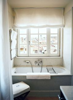 jk-place-florence-michele-bonan-perfect-bathroom