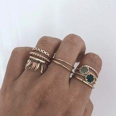 Gold stacking stacked rings make up minimalistic layered jewelry - Jewelry Accessories Weird Jewelry, Cute Jewelry, Boho Jewelry, Jewelry Accessories, Fashion Jewelry, Cheap Jewelry, Silver Jewellery, Bridal Jewelry, Damas Jewellery