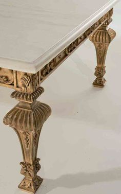 Antique Chinese Furniture, Georgian Furniture, Royal Furniture, Classic Furniture, Luxury Furniture, Furniture Design, Wood Furniture Legs, Furniture Upholstery, Center Table Living Room