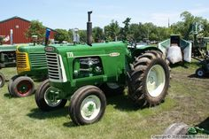 Oliver 3-Digit Tractors 1958-1975 — Oliver 770 Antique Tractors, Vintage Tractors, Old Tractors, Farm Show Magazine, Agriculture News, Tractor Photos, Rubber Tires, Cool Cars, Heavy Equipment