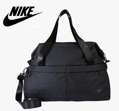Bolsa de deporte Nike Legend Club 3.0 para entrenamiento por 14 euros. 32f4f5eb4279f