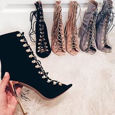 pinterest || ☓ cmbenney I love this... the same shoe in different colors. Beautiful