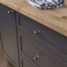 Add style and flair to your cabinetry and furniture with this Martha Stewart Living Bedford Brass Awning Cup Cabinet Hardware Pull. Drawer Hardware, Kitchen Hardware, Gold Cabinet Hardware, Kitchen Knobs, Brass Cabinet Pulls, Cabinet Knobs, Dresser Drawer Pulls, Bronze, Cabinet Decor