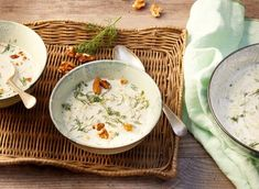 Pikantes Kürbis-Curry Rezept - REWE.de Soups And Stews, Thai Red Curry, Real Food Recipes, Camembert Cheese, Paleo, Low Carb, Ethnic Recipes, Thanksgiving Menu, Pumpkin Curry