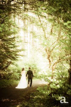 Silverton Oregon Wedding – Silver Falls State Park – Lisa + Marc | Alyson Levy Photography