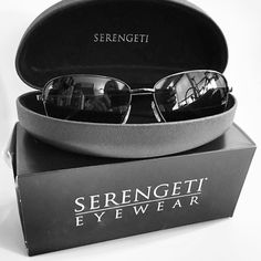 Got a delivery today and I'm drooling over my new @serengetieyewear #aviator #sunglasses. They are so light and clear I totally forgot I was wearing them! More to come on my blog - stay tuned! #fashion #instatoronto #serengeti #photochromatic #uvprotection #Aviators #classic #functional #lifenecessity