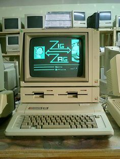 Apple IIe- This was the first computer our family got. I remember walking out on Christmas Morning and seeing it all set up. I remember playing PAC man and the Oregon trail on it. Apple Iie, Alter Computer, Teaching Computers, School Computers, Nostalgia, Apple Products, Computer Science, Computer Programming, Computer Class