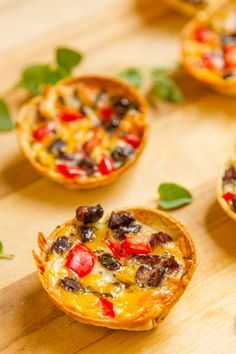 Mini Taco Cups Mini Taco Cups are a great snack for any football party or great for an after school snack! Easy to make, with just a few steps, and totally customizable, your whole family is going ... http://livedan330.com/2015/10/17/mini-taco-cups/