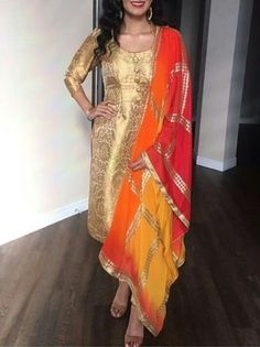 Pakistani Dresses, Indian Dresses, Indian Outfits, Indian Clothes, Indian Attire, Indian Ethnic Wear, Indian Style, Salwar Designs, Blouse Designs