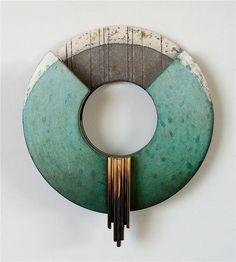 """RAMÓN URBÁN, 677 """"Exvoto XIV"""" Técnica mixta sobre madera , en diferentes niveles, 20 cm."""
