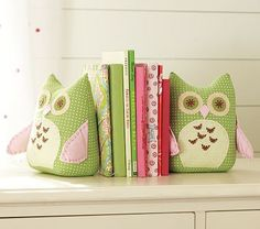 Love these owl bookends, perfect for holding babies new books between.