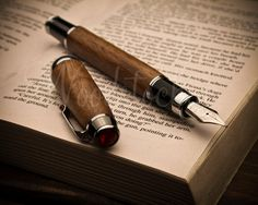 Handmade Georges fountain walnut pen, perfect for any occasion you need a unique and touching gift. Fountain pens are very special writing