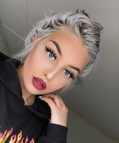 Silver ash hair color and beautiful blue eyes Girls Natural Hairstyles, Cool Hairstyles, Natural Hair Styles, Beauty Makeup, Hair Makeup, Hair Beauty, Silver Ash Hair, Hair Colors For Blue Eyes, Blue Colors