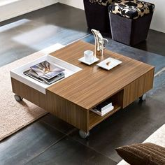 Table basse carr�e MIA + roulettes